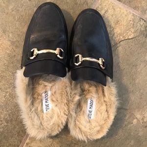 steve madden leather slides with furry insides!